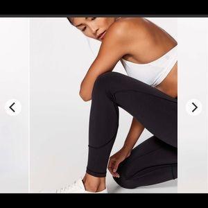 No flaws in movement Lululemon 7/8 Leggings black